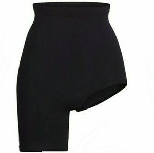 Skims Solutions Short Shaper Left Leg Slit | Black